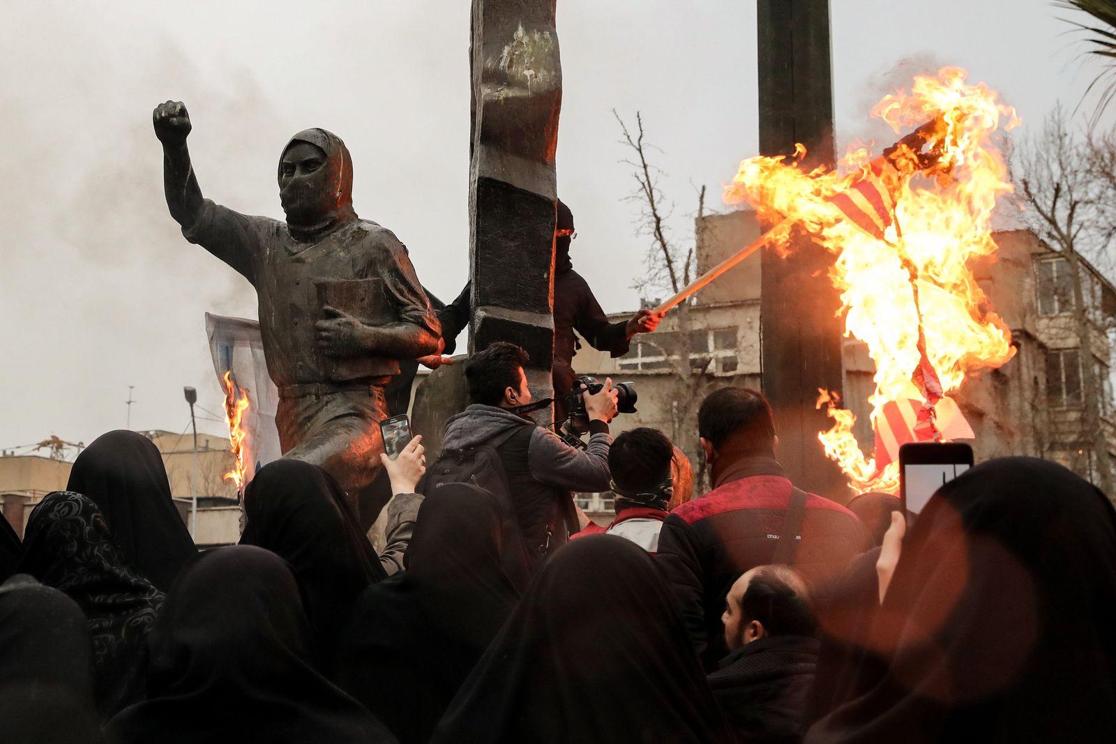 Konflikt Iran-USA - Trauerzug in Teheran