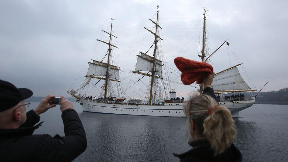"""Die """"Gorch Fock"""" sticht in See: Die Ausbildung soll verbessert werden"""