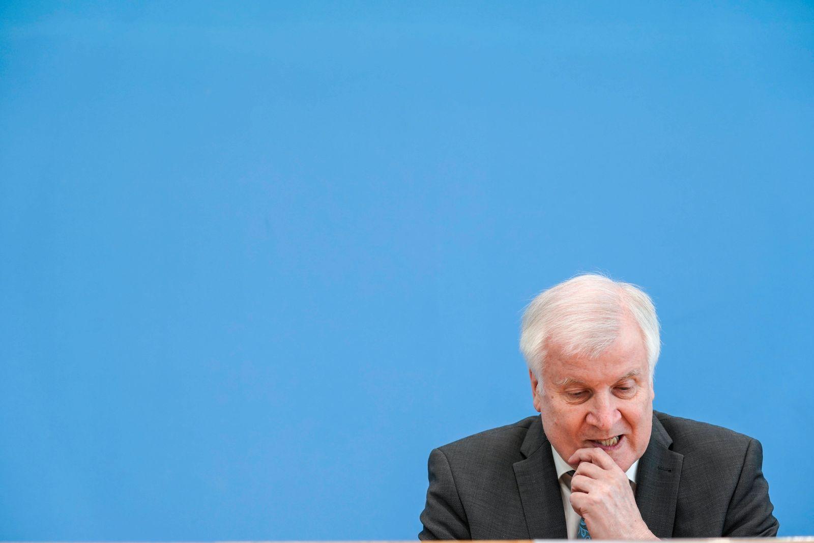 News Bilder des Tages Vorstellung Fallzahlen Politische Motivierte Kriminalitaet 2020 Aktuell,04.05.2021,Berlin,Horst Se