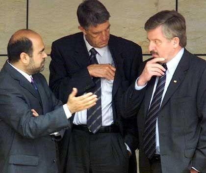 Missglückte Partnerschaft: Jamal Karsli (l.) und Jürgen Möllemann (r.) am Donnerstagmorgen im Düsseldorfer Landtag