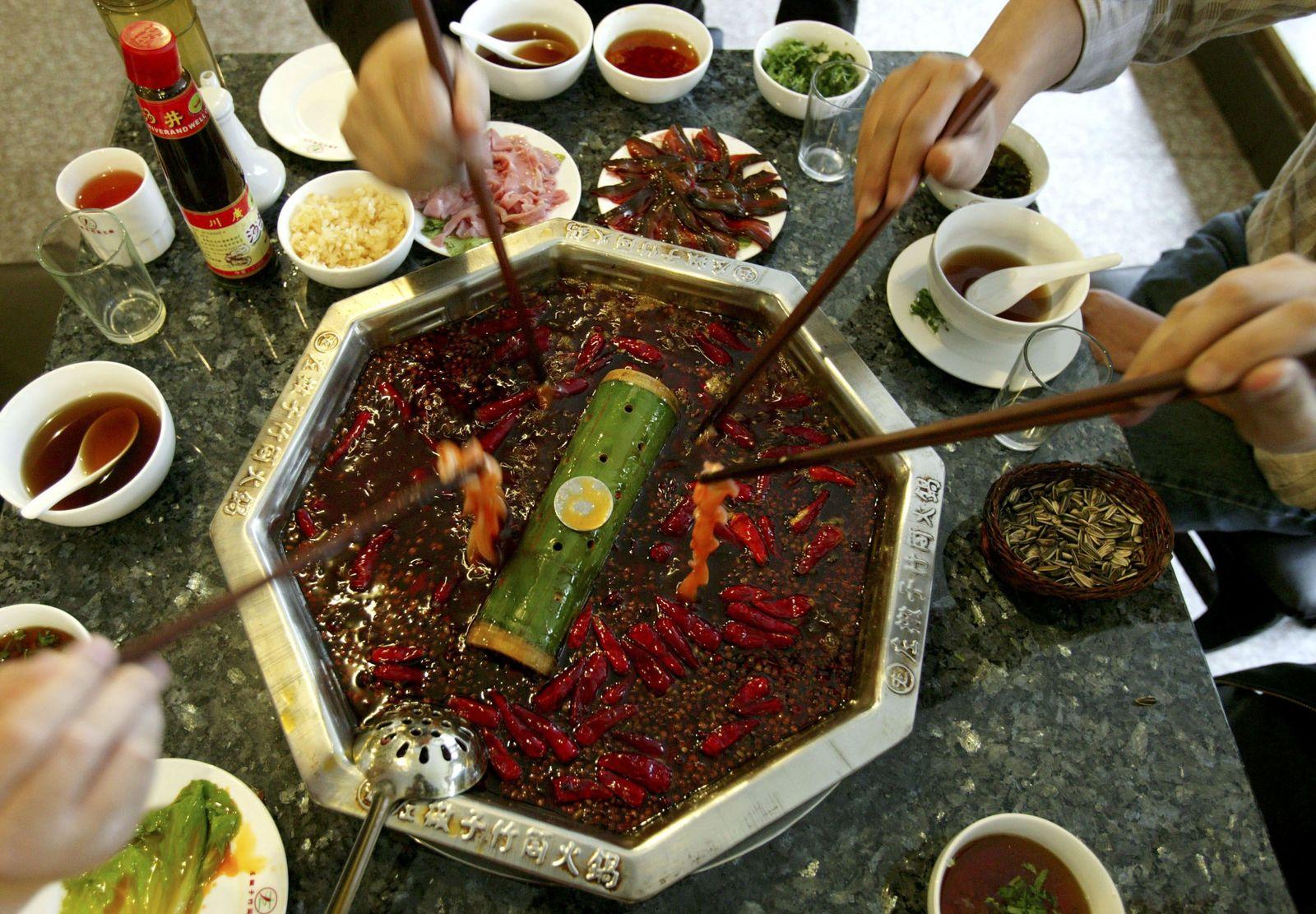 "China/ Essen/ ""Hot Pot"""