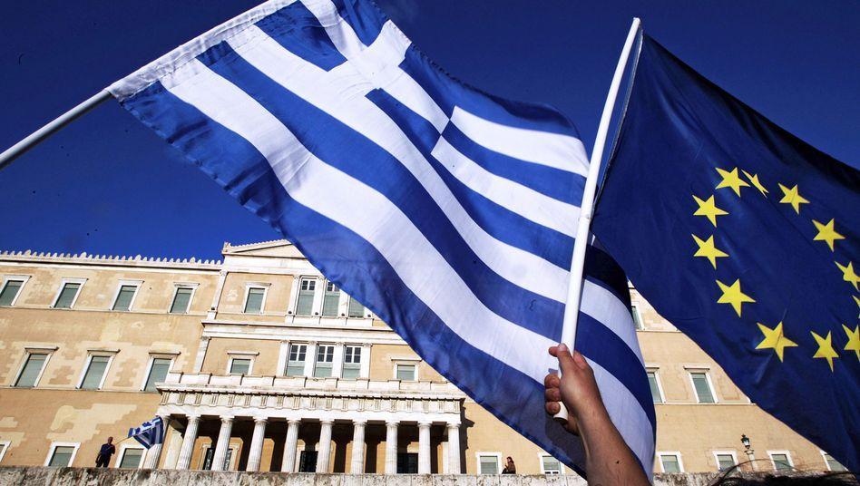 Flagge vor dem griechischen Parlament