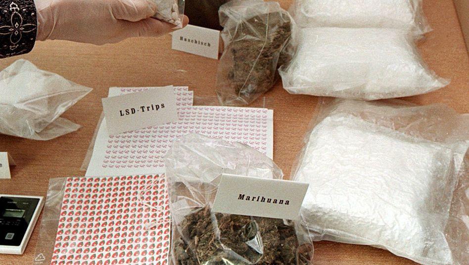 Drogenfund (in Karlsruhe): LSD und Cannabis weniger gefährlich als Tabak und Alkohol?