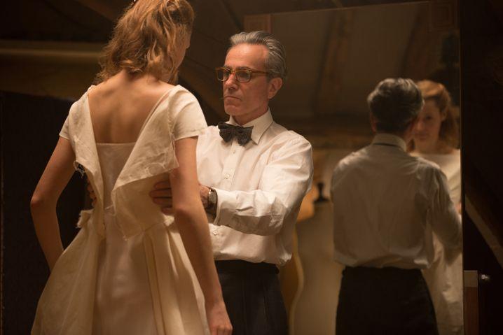 """Vicky Krieps und Daniel Day-Lewis in """"Der seidene Faden"""""""