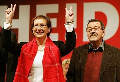"Wahlkämpfer Simonis, Grass: ""Erprobtes Wahlkampfross"""