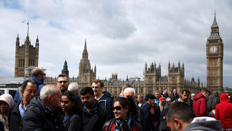 Hoffentlich eigens krankenversichert: Touristen in London