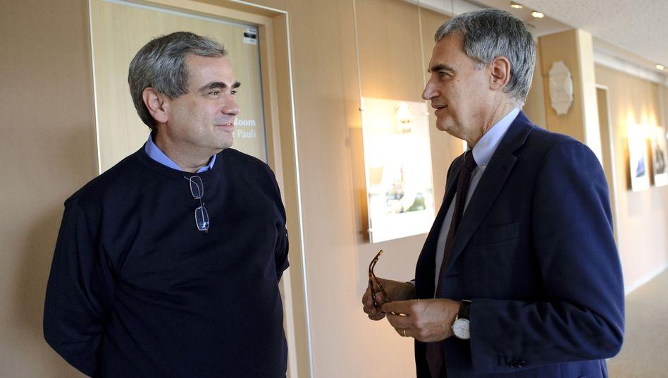 "Antonio Ereditato (rechts) mit Kollegen Dario Auterio: Rücktritt als ""Opera""-Chef"