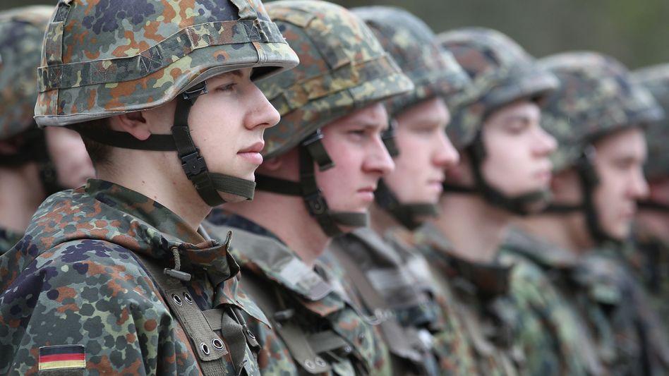 """Bundeswehr-Rekruten (im April 2010): Veranstaltung mit """"bundeswehrfremder Medienbegleitung"""""""