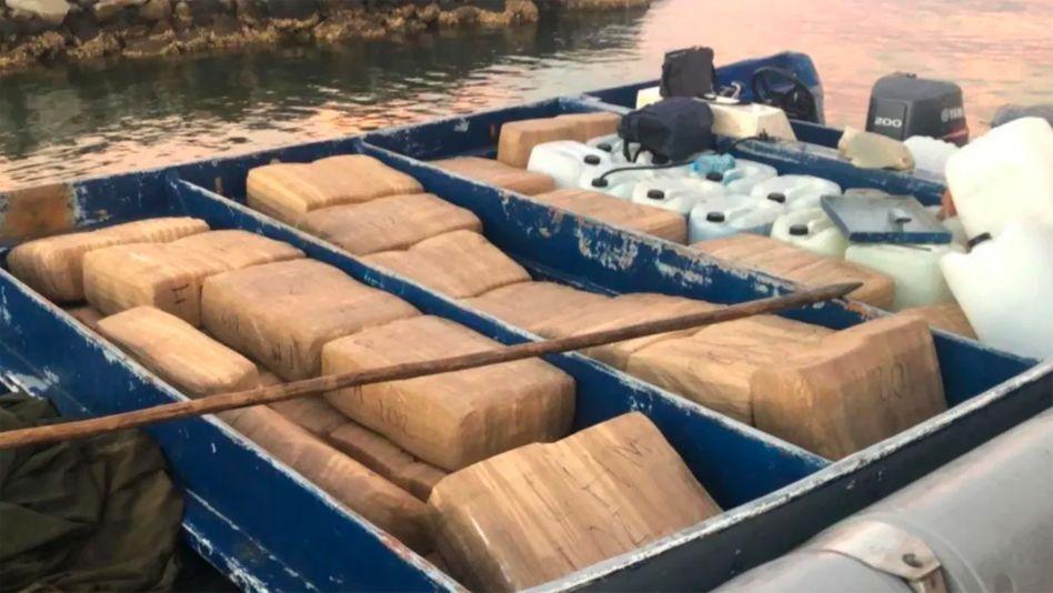 2,5 Tonnen Methamphetamin und 100.000 Fentanyl-Pillen wurden auf einem Boot im mexikanischen Bundesstaat Sinaloa sichergestellt