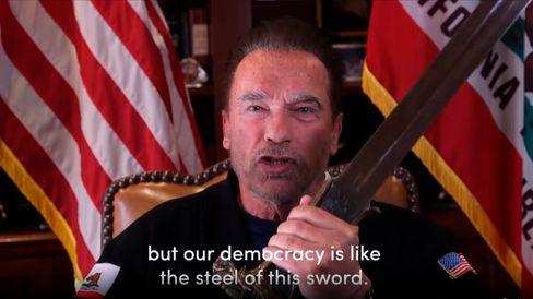 Schwarzenegger mit Schwert