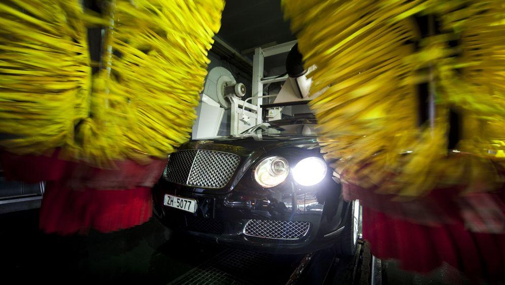 Edel-Waschstraße: Seife für den Ferrari, bitte