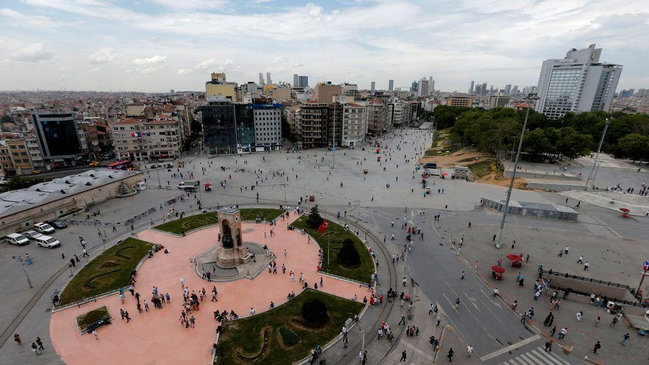 Taksim-Platz am Gezi-Park in Istanbul: Kasernen-Neubau bleibt auf der Agenda