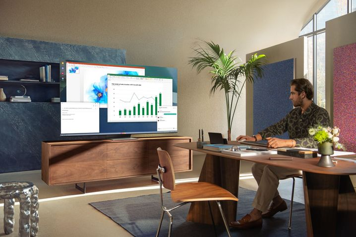 Excel im Fernsehen: Tastatur und Maus sind über Bluetooth verbunden
