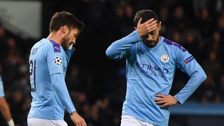 Können sich womöglich erst mal nicht mehr in einer Champions-League-Partie an den Kopf fassen: Citys David Silva (links) und Bernardo Silva