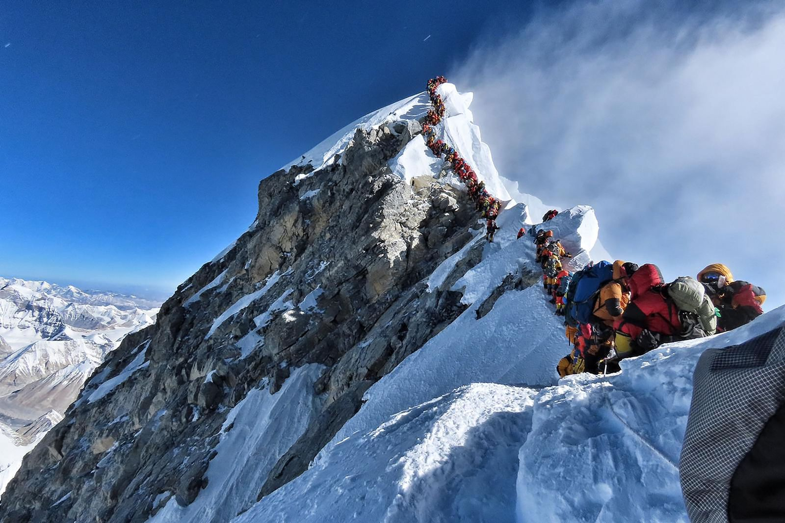 TOPSHOT-NEPAL-MOUNTAINEERING-EVEREST