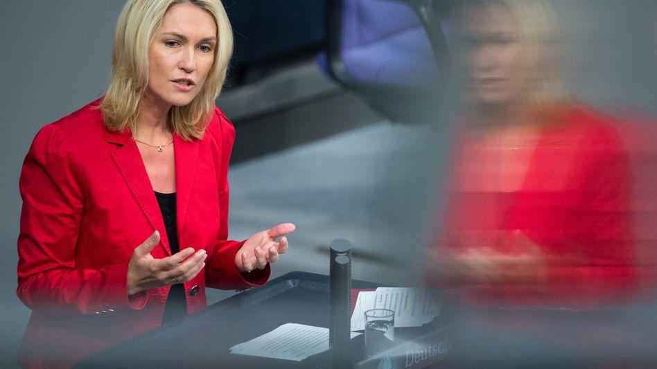 Bundesfamilienministerin Manuela Schwesig (SPD): Gehälter sollen offenliegen