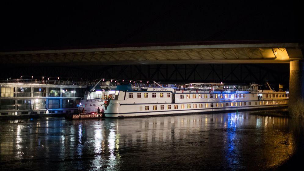 Duisburg: Schiffbruch auf dem Rhein
