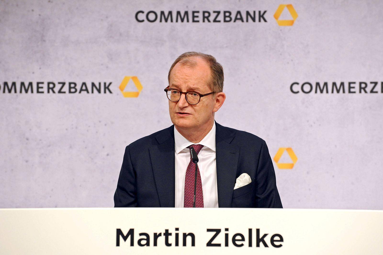 Bilanzpressekonferenz Commerzbank AG. Martin Zielke ( Vorstandsvorsitzender Commerzbank AG ) anläßlich der Bilanzpresse