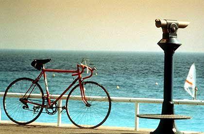 In der Nachsaison hat die Promenade des Anglais in Nizza nach wie vor etwas Mondänes