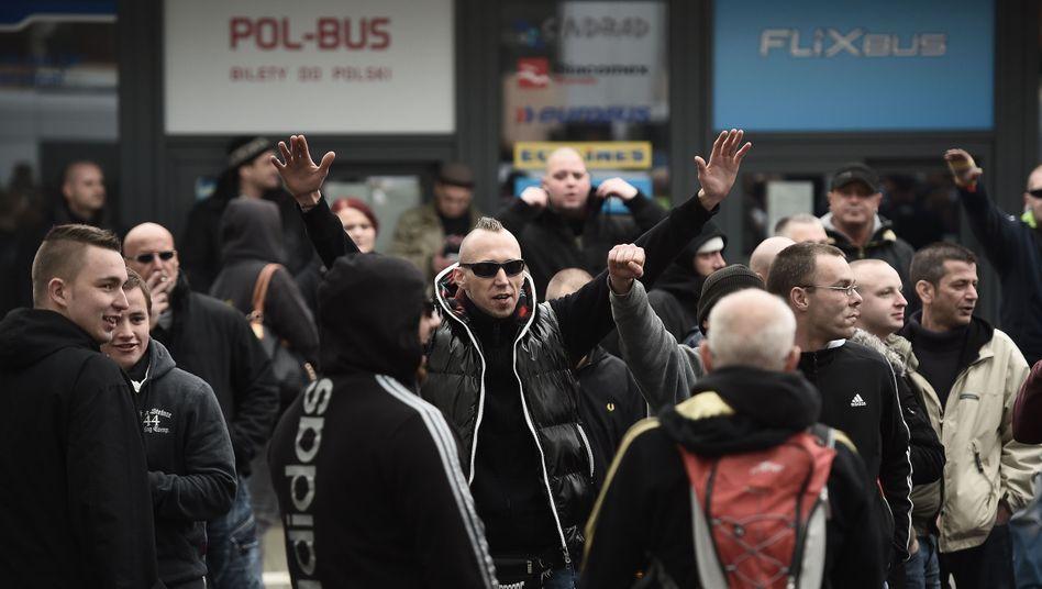 """""""HoGeSa"""" in Hannover: Hooligan-Demo deutlich kleiner als erwartet"""