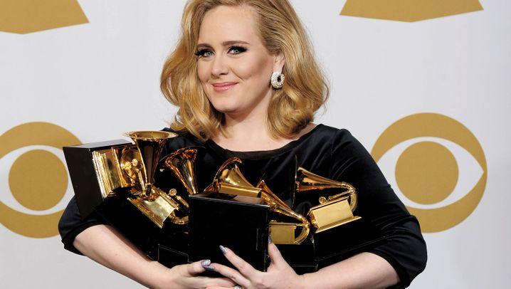Grammy Awards 2012: Preise für Adele, Gedenken an Whitney Houston