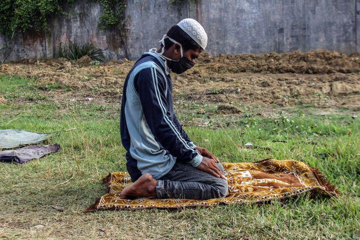Rohingya beim Gebet: Die Regierung in Myanmar verfolgt die muslimische Minderheit
