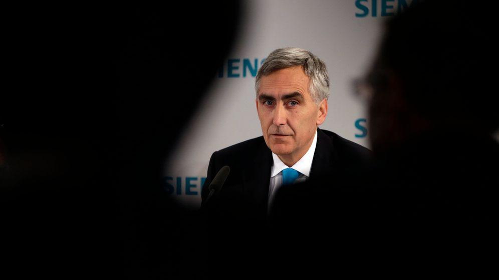 Photo Gallery: Tumult at Germany's Siemens