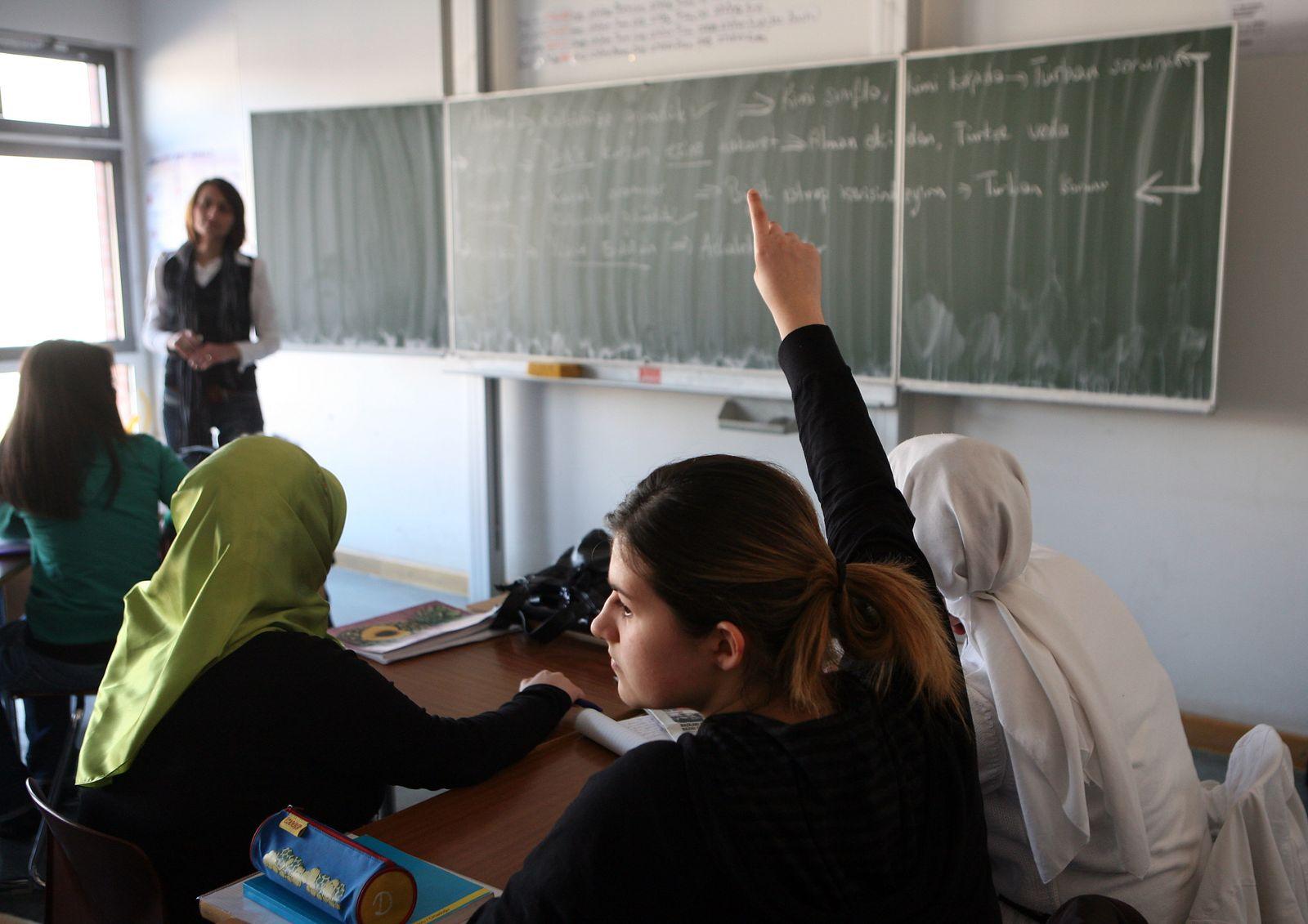 Türkisch Unterricht an Gesamtschule in Köln