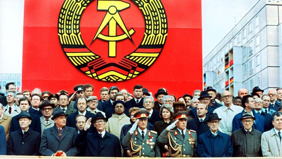 Militärparade in Ost-Berlin (1989): Die DDR war keine Diktatur, glauben viele Jugendliche