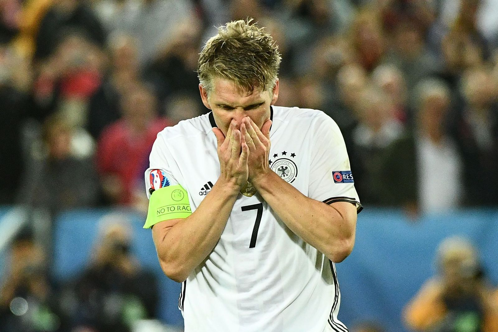 FILES-FBL-EURO-2016-GER-SCHWEINSTEIGER
