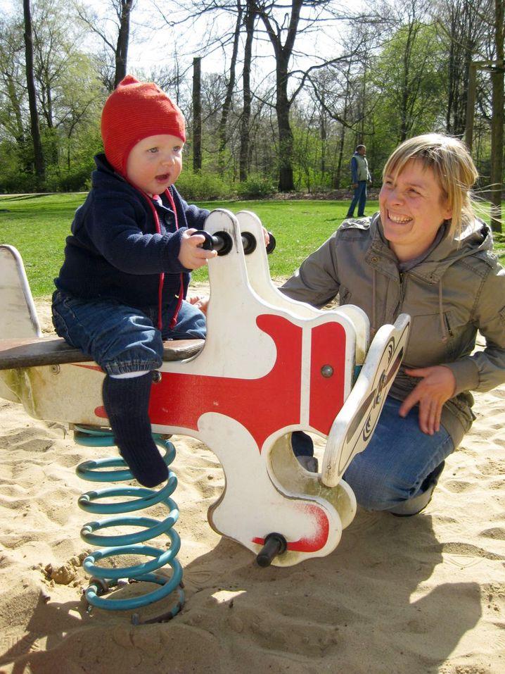 """Roth mit Kind: """"Telearbeit vereinfacht dann doch vieles"""""""