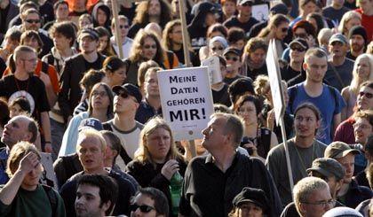 Demonstranten gegen Datenspeicherung: Massenklage in Karlsruhe