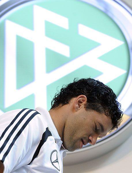 Nationalmannschaftskapitän Ballack: Im Streit mit den DFB-Offiziellen
