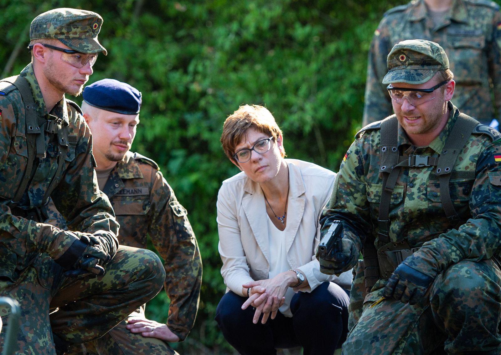 Truppenbesuch der Verteidigungsministerin