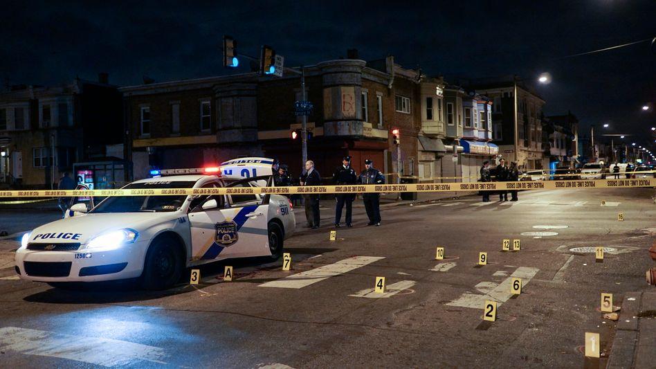 Beschossener Streifenwagen in Philadelphia: Angriff auf offener Straße