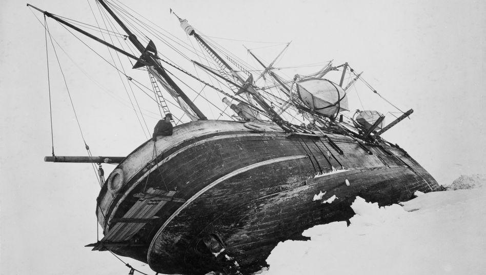 "Die ""Endurance"" im Oktober 1915 in der Wedell-See"