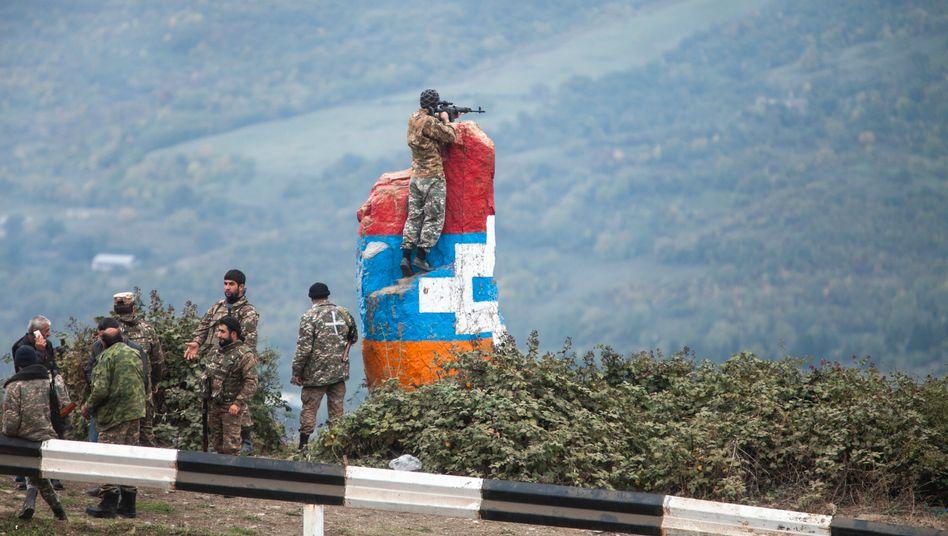 Scharfschützen einer Miliz in Bergkarabach