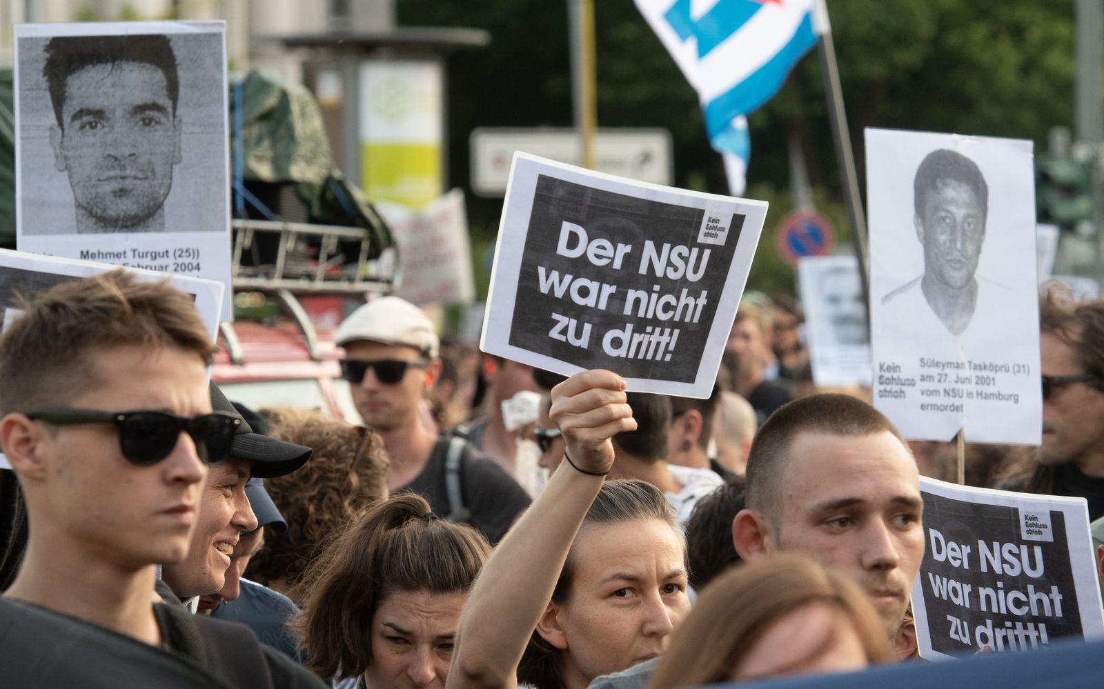 Proteste nach dem Urteil im NSU-Prozess in Berlin