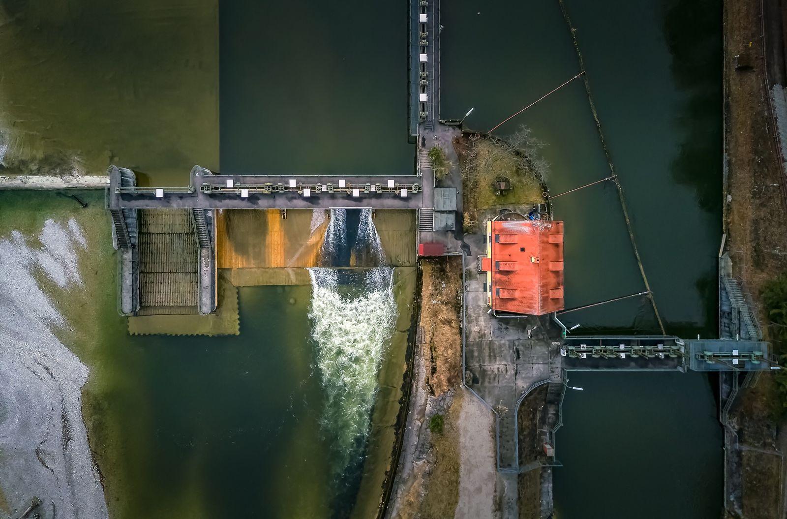 EINMALIGE VERWENDUNG EXPIREN 27.11.2024 Wasserkraaftwerk Pullach Im Isartal