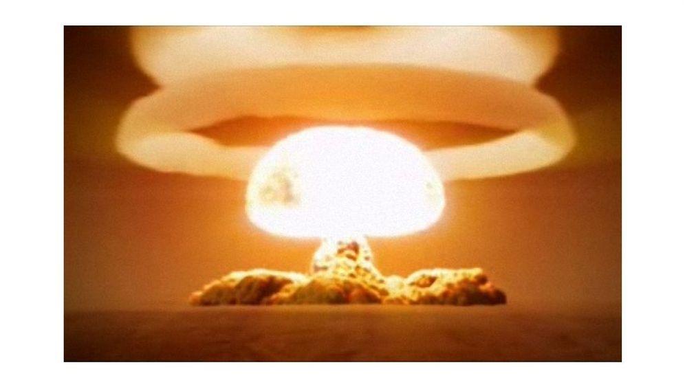 """Zar""-Bombe: Die Alles-weg-Maschine"