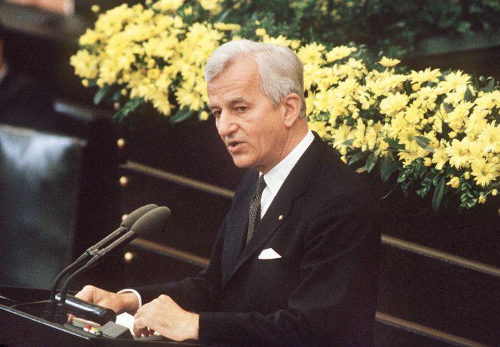 Richard von Weizsäcker bei seiner Rede am 8. Mai 1985 im Bonner Bundestag