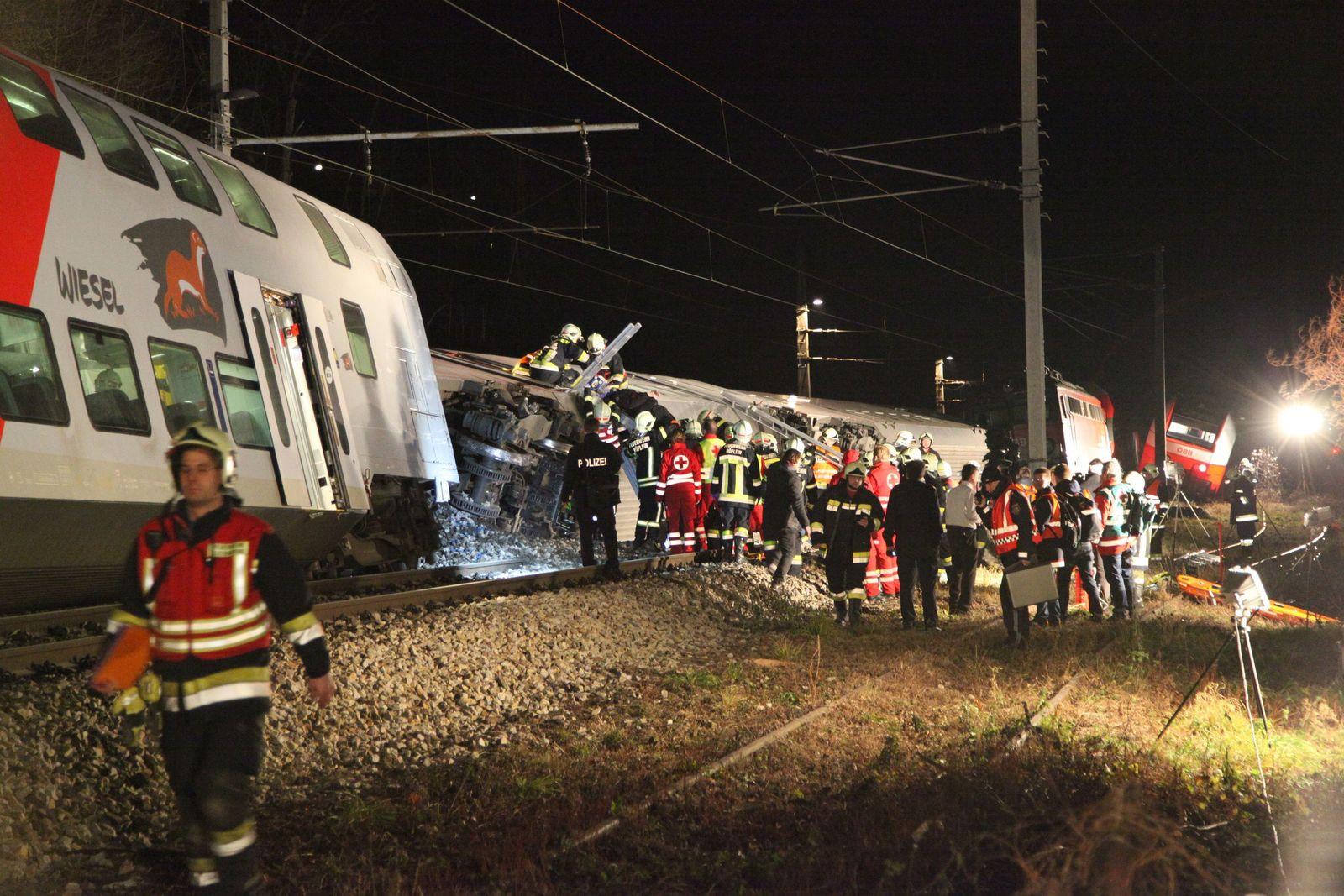 AUSTRIA-ACCIDENT-TRAIN