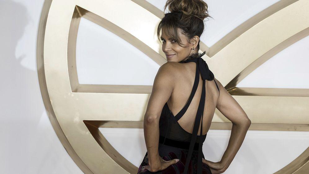 Frisch verliebt: Halle Berry im Kuschelmodus