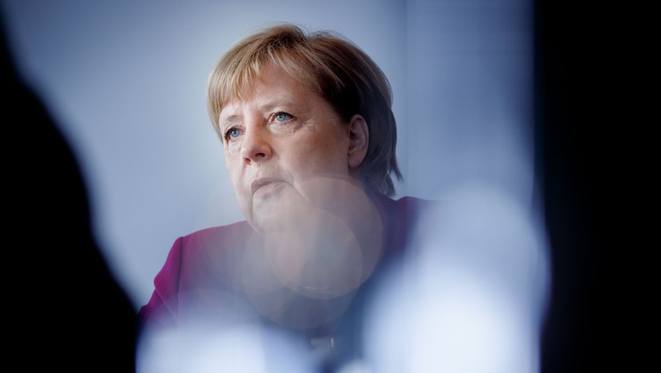 Angela Merkel speaks to DER SPIEGEL about life in East Germany, the fall of the Berlin Wall and reunification.