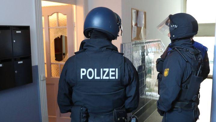Niedersachsenderby: Festnahmen und Wasserwerfer