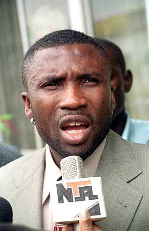 Jonathan Akpoborie während einer Pressekonferenz am 9. Mai in Lagos