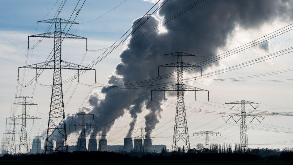 Kühltürme des Braunkohlekraftwerkes in Jänschwalde: Eines der klimaschädlichsten Braunkohlekraftwerke der Europäischen Union