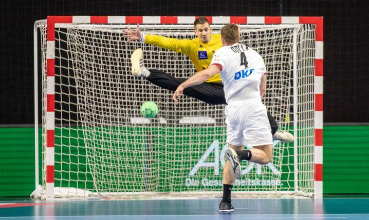 Tempogegenstoß gegen Österreich (EM-Qualifikation), Golla schließt erfolgreich ab