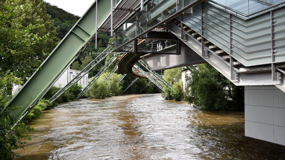 Der Wetterdienst warnt erneut vor Starkregen und Gewittern in Wuppertal und Umgebung