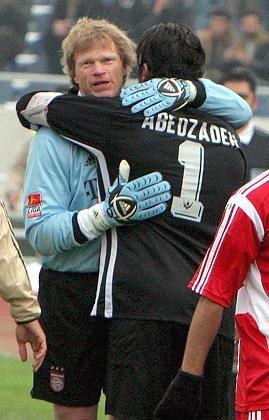 """Bayern-Torwart Kahn (mit seinem Iraner Kollegen Abed Zadeh: """"Ich trenne von der Politik"""""""